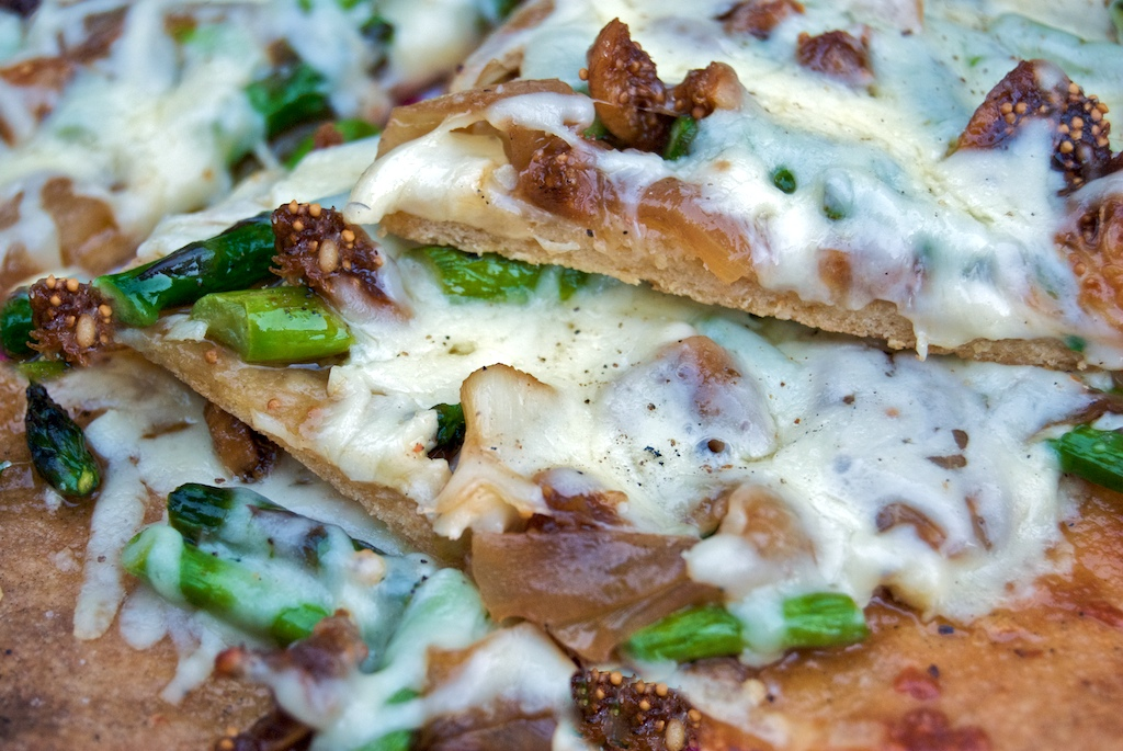 Grilled Pizza with Asparagus, Caramelized Onions, and ...